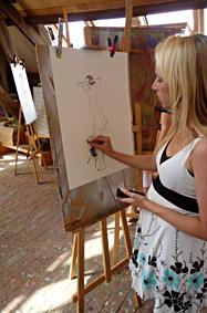 Naaktmodel tekenen met houtskool